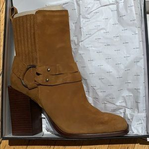NWT Dolce Vita Suede Boot
